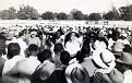 1946 - Vue de la foule des manifestants (Gérald Bloncourt au milieu) en janvier 1946. Le gouvernement Lescot est tombé. Meeting au Parc Leconte à Port-au-Prince.