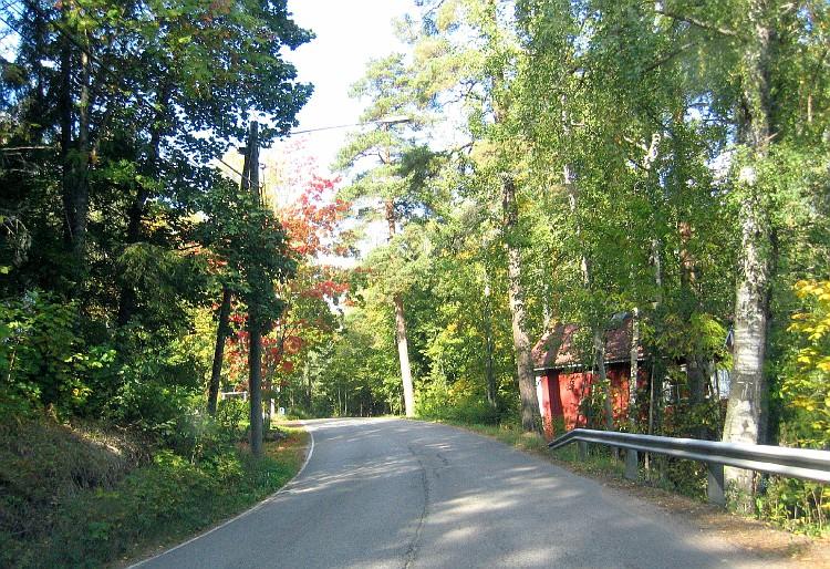 The road around Lake Bodom