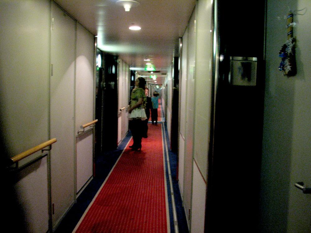 Deck 7 Hallway, Starboard looking aft